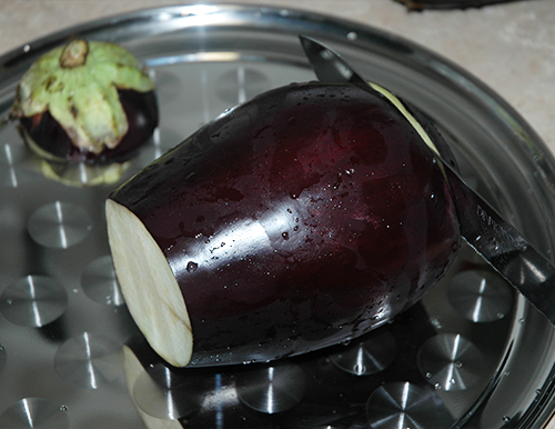 cut off both ends of the eggplant